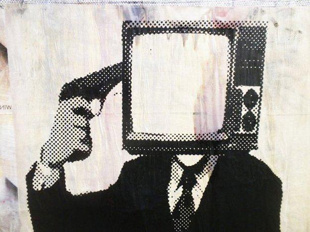 TV Suicide Street Art
